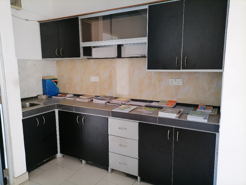 Apartment suitable for house or office