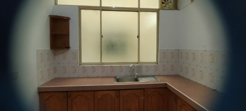 One room/one bathroom available near Wellawatte Police Stati