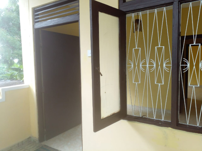 Upstairs 3 Bedroom Annex for Rent with Separate Entrance & P